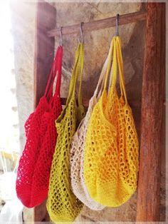 "Filet à Provision ""Sunny"" Filet Crochet, Crochet Bear, Diy Crochet, Crochet T Shirts, Crochet Market Bag, Knitted Bags, Textiles, Sunnies, Crochet Patterns"