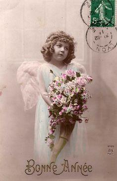 Vintage Postcards, Vintage Images, Vintage Art, Vintage Christmas Photos, Antique Christmas, Vintage Girls, Vintage Roses, Free Angel, Angel Images