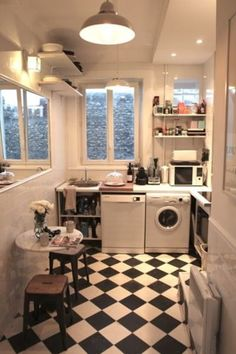5 EXAMPLES OF RENOVATED KITCHENS (BEFORE/AFTER)