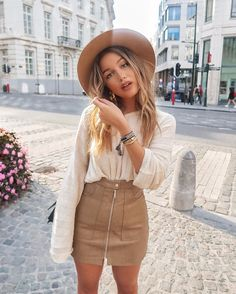 Beige is the color of elegance. And all beige looks are going to be this season's trendy look. I want to make a minimalistic look for you with Zara clothing Beige Skirt Outfit, Winter Skirt Outfit, Fall Winter Outfits, Skirt Outfits, Summer Outfits, Outfits With Hats, Cute Outfits, Winter Rock, Winter White
