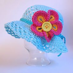 I have to make this hat, without the flower and make the brim stand out.
