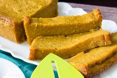 Caribbean Pone - A spicy, mouthwatering pudding like baked dessert made from cassava, sweet potato and pumpkin Carribean Desserts, Caribbean Recipes, Tart Recipes, Cookie Recipes, Vegan Recipes, Trinidad Recipes, Trinidad Food, Black Cake Recipe, Coconut Tart