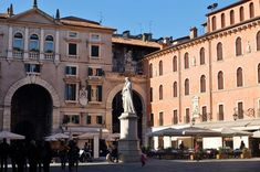 36 Hours in Verona: Piazza dei Signori, Verona's drawing room