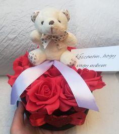 #virágfalu #rózsadoboz #rózsabox #valentin #valentinnapi_ajándék #valentinesday #rosebox #redroses #plüssmaci #szív #szeretlek #ajándék #szülinap #szülinapi_ajándék #virágdoboz #habrózsa #habrózsadoboz #rózsabox_macival Valentino, Teddy Bear, Flowers, Teddy Bears