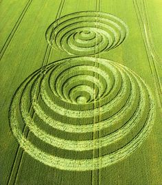 WOW- Look at this for a few moments and be POSITIVELY AMAZED at The Optical Illusions.   SPECTACULAR CROP CIRCLES