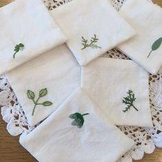 #teacoster #embroidery #stitch #needlework #자수티매트 #자수 #프랑스자수 #일산프랑스자수 #일산자수 #일산자수공방 #달빛정원 #달빛정원공방 #자수타그램✂️ #frenchembroidery