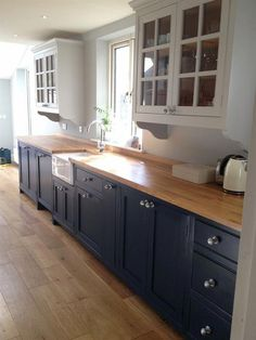 4 Tips For Kitchen Remodeling In Your Home Renovation Project – Home Dcorz Kitchen Cabinets Decor, Kitchen Redo, Home Decor Kitchen, Country Kitchen, New Kitchen, Home Kitchens, Navy Blue Kitchen Cabinets, Kitchen Cupboard, Home Renovation