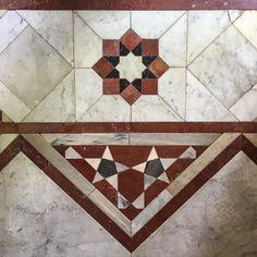 Diseño islámico geométrico en mármol. | Matemolivares