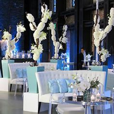 herecomestheguide.com    ultimate wedding guide for venues, services, honeymoon planning and bridal salons