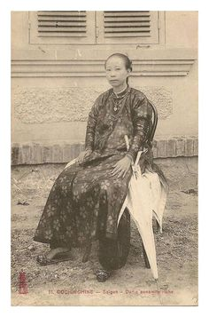 Old Pictures, Old Photos, Vietnamese Clothing, Cambodia, The Past, Culture, Statue, Traditional, History