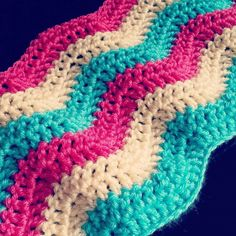 Ripple blanket!!! #rippleblanket #chevron #crochet #crochetblanket #crochetaddict #crochetofinstagram #handmade by diamonds.pearls.yarn