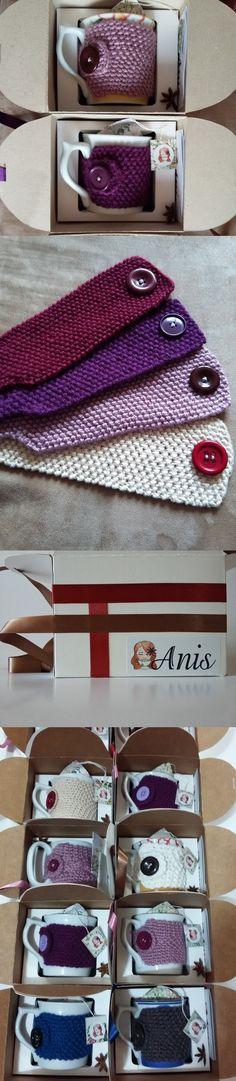 Kits de caixa, caneca, capinha de caneca em tricô - ponto arroz - e saquinhos de chá. Ótimo para presente!