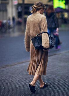 saia-plissada-midi-skirt-shoes-flat