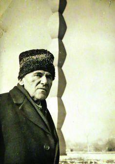Brancusi Sculpture, Constantin Brancusi, Amedeo Modigliani, Rodin, Literature, Nerd Stuff, Inspiration, Writers, Artists