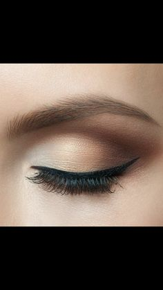 makeup prom makeup sponge for makeup eyeshadow makeup tutorial step by step pictures palette used by makeup artists eyeshadow makeup trends makeup peach makeup hacks Smokey Eye For Brown Eyes, Makeup For Brown Eyes, Smokey Eye Makeup, Brown Makeup Looks, Hooded Eye Makeup, Nude Eyeshadow, Nude Makeup, Eyeshadow Palette, Eyeshadows