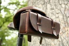 Bolsa de herramienta para bicicleta - de cuero marrón oscuro
