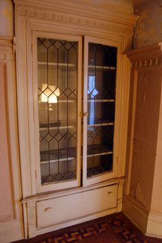 leaded glass for kitchen cabinets 1000 ideas about leaded glass cabinets on 22557