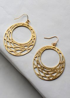 Woven hoops, gold woven hoops, gold dangle earring, gold statement earring, bold everyday earring, light weight earring, trendy hoop earring for fall, must have accessory