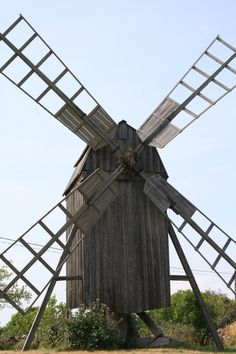 An old windmill on the island Öland in Sweden. Tilting At Windmills, Old Windmills, Places Around The World, Around The Worlds, Scandinavian Cabin, Swedish Cottage, Water Wheels, Wind Mills, 10 Picture