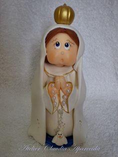 Nossa Senhora de Fátima modelada em biscuit com características infantis.  Elo7 - Atelier Claudia Aparecida