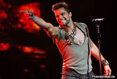 Ricky Martin vai cantar a música oficial da Copa 2014