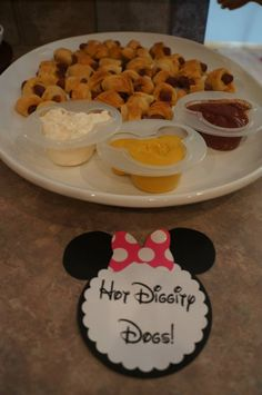 """Minnie Mouse party """"Hot Diggity Dogs"""""""