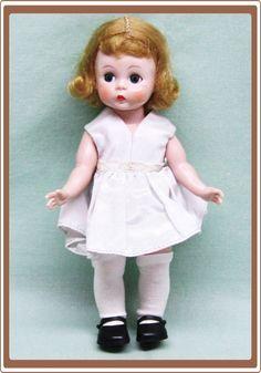 Madame Alexander Hard Plastic Straight Leg Walker Wendy-kins Doll