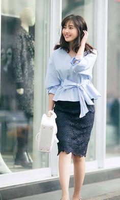別れと出会い季節、3月。そろそろ温かくなってきて、春服も楽しめるこの時期。今月も、毎日格モテちゃうコーデを格言付きでお届けします♡ Stylish Summer Outfits, Chic Outfits, Fashion Outfits, Work Fashion, Skirt Fashion, Fashion Looks, Short Girl Fashion Curvy, Japanese Fashion, Asian Fashion