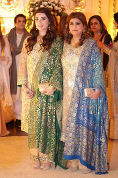 Pakistani party wear dresses, pakistani outfits, indian dresses, indian out Pakistani Party Wear Dresses, Shadi Dresses, Pakistani Outfits, Indian Dresses, Indian Outfits, Pakistani Bridal Couture, Desi Clothes, Traditional Fashion, Indian Designer Wear