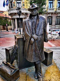 Street Art, Spain, Sculpture, World, Creative, Statues, Sculptures, Ocean Photography, Vacation Places