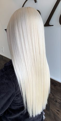 White Blonde Hair, Dyed Blonde Hair, Straight Hairstyles, Cool Hairstyles, Cute Hair Colors, Long Dark Hair, Super Long Hair, Beautiful Long Hair, Hair Inspo