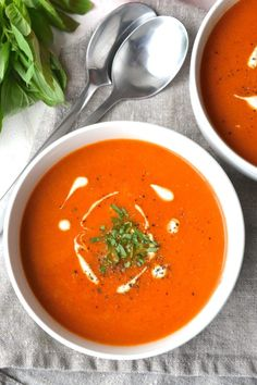 Creamy (or not) Tomato Soup (Whole30 - Vegan) | Every Last Bite Whole 30 Tomato Soup, Fresh Tomato Soup, Vegan Tomato Soup, Cream Of Tomato Soup, Creamy Tomato Sauce, Tomato Basil Soup, Tomato Paste, Tomato Tomato, Vegan Soups