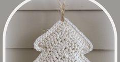 Het is bijna zover.... dus aan de slag met de kerstversiering. Voor dit project heb je nodig: Witte wol, haaknaald 3,5 mm, to...