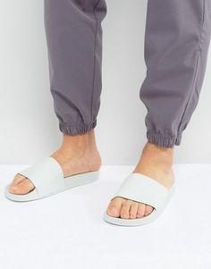 64a3c318d097a adidas Adilette Slides In Green BA7540 Moda Retrô, Moda Masculina, Adidas  Originals Para Homens