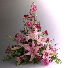 Nice 30+ Gorgeous Floral Arrangements Ideas for Beautiful Home https://decoredo.com/5161-30-gorgeous-floral-arrangements-ideas-for-beautiful-home/
