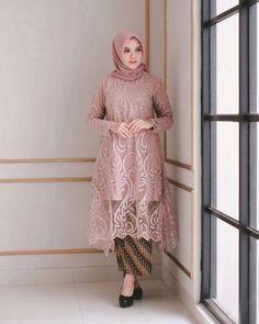 Model Dress brukat untuk lebaran 2020 – ND Kebaya Modern Hijab, Model Kebaya Modern, Kebaya Hijab, Kebaya Dress, Modern Hijab Fashion, Batik Fashion, Muslim Fashion, Gaun Dress, Dress Brukat