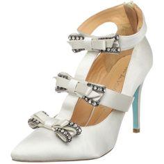 Pour La Victoire Bridal Women's Antoinette Pump ($107) ❤ liked on Polyvore featuring shoes, pumps, heels, sapatos, bridal shoes, pointed toe shoes, white bride shoes, pointy toe pumps and white shoes
