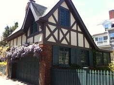 The carriage house of a Salem, MA home in full bloom.