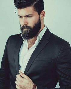 Beard styles 690387817855395140 - ———————————— Source by Beard Styles For Men, Hair And Beard Styles, Hair Styles, Great Beards, Awesome Beards, Barba Sexy, Beard Shapes, Dump A Day, Beard Care