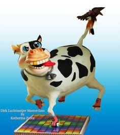 Funky cow gravity defying cake - cake by Super Fun Cakes & More (Katherina Perez) Fondant Horse, Fondant Animals, Gravity Defying Cake, Gravity Cake, Cow Cakes, Cake Structure, Brush Embroidery, Farm Cake, Funny Cake