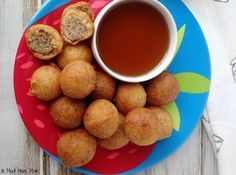 These kid friendly sausage pancake breakfast bites are just what we needed to shake up our normal breakfast routine. They taste amazing and they are filling too thanks to the breakfast sausage center. Pancake Bites, Breakfast Bites, Breakfast Pancakes, Breakfast Recipes, Sausage Breakfast, Back To School Breakfast, Breakfast On The Go, Good Healthy Snacks, Yummy Snacks