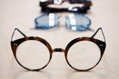 jedenáct koček - arogantní umňoukaná alternativa Consumerism, Eye Glasses, Slow Fashion, Specs, Lifestyle Blog, Eyewear, Glasses, Eyeglasses