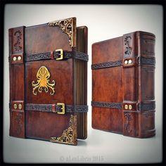 #cthulhu #lovecraft #leatherjournal #leatherbook #leathercraft #etsyshop #bookart #alexlibris