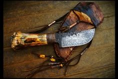 Pig Tail Skinner Knife- Steel: Hand Forged from 1084 High Carbon, OAL: Blade: File work on spine Cool Knives, Knives And Tools, Knives And Swords, Blacksmithing Knives, Hand Forged Knife, Homemade Weapons, Skinning Knife, Neck Knife, Knife Sheath