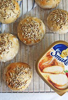 bułeczki grahamki na zakwasie   Smakowity Chleb 20 Min, Bagel, Hamburger, Muffin, Bread, Baking, Buns, Breakfast, Zara