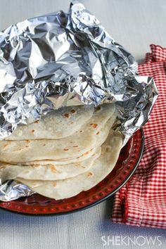 How-to Make tortillas from scratch. Surprisingly simple to make, they turn a basic meal into something special. So grab a rolling pin and get ready to enjoy homemade tortillas warm from the pan. How To Make Tortillas, Homemade Tortillas, Making Tortillas, I Love Food, Good Food, Yummy Food, Mexican Dishes, Mexican Food Recipes, Recetas Salvadorenas