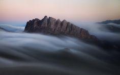 Спящий дракон. Ачешбок окутывали туманы теплым, пушистым одеялом, на горы опускалась ночь. #ачешбок#ачешбок Photographer: Скалин Алексей