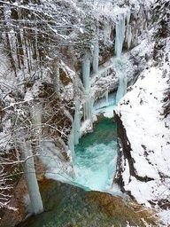 Travel Spot Photos: Frozen Rissbach Gorg