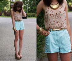Soft floral prints give off a cute girly vibe! I want this.