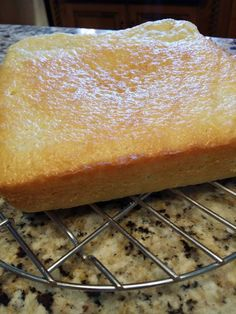 Bibingka is a type of rice cake, that is made with rice flour and coconut milk and usually baked in banana leaves; that is usually quite buttery. Here is an easy recipe that I've been making… Coconut Desserts, Gluten Free Desserts, Coconut Milk, Easy Desserts, Delicious Desserts, Yummy Food, Pinoy Dessert, Filipino Desserts, Filipino Food